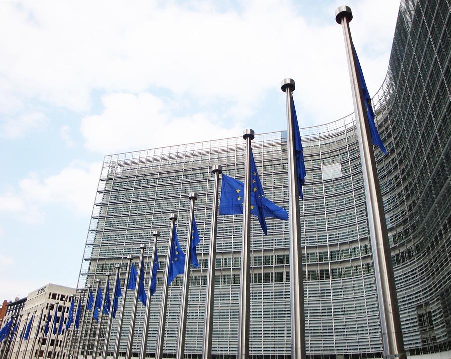 """Los editores de diarios celebran la decisión de Bruselas de reducir el IVA a libros digitales y prensa """"online"""""""