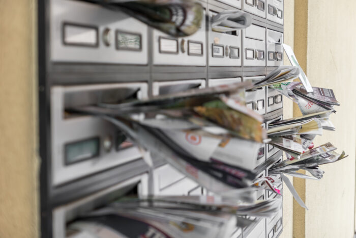 La Asociación de Medios de Información condena la decisión de Correos de no distribuir suscripciones a domicilio