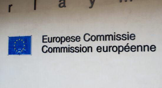 La Comisión Europea abre investigación a Apple